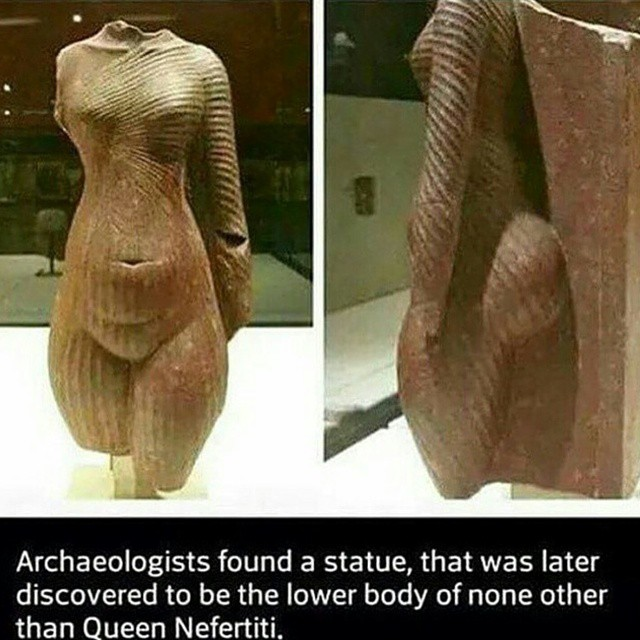 Nefertiti's lower-body