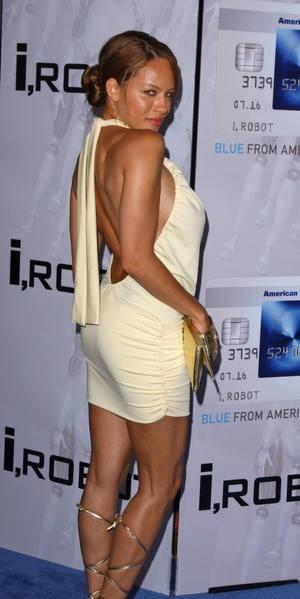 Leila Arcieri 12