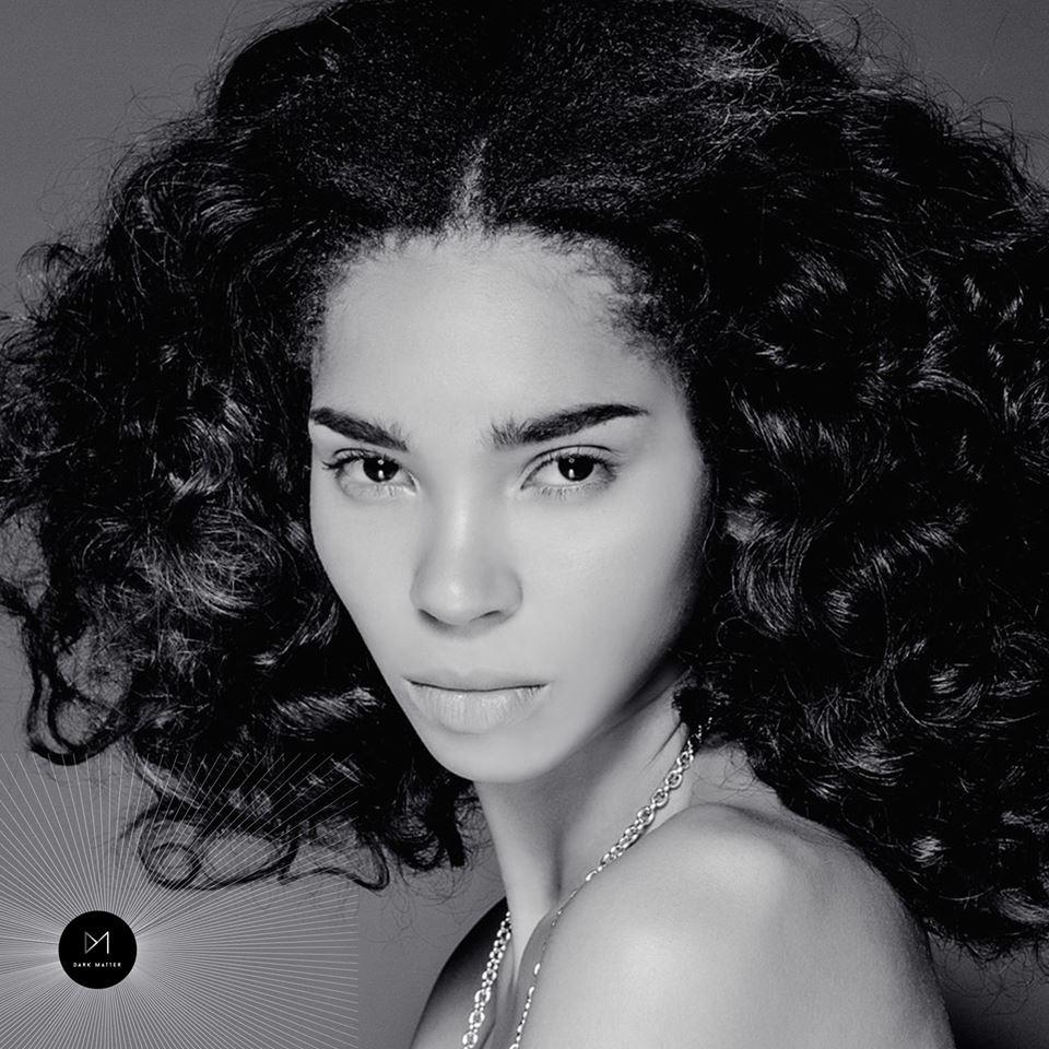 Model: Julia Ogun