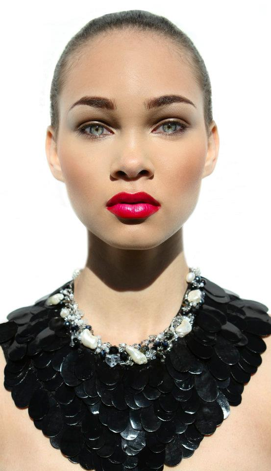 Model: Amanda Hill