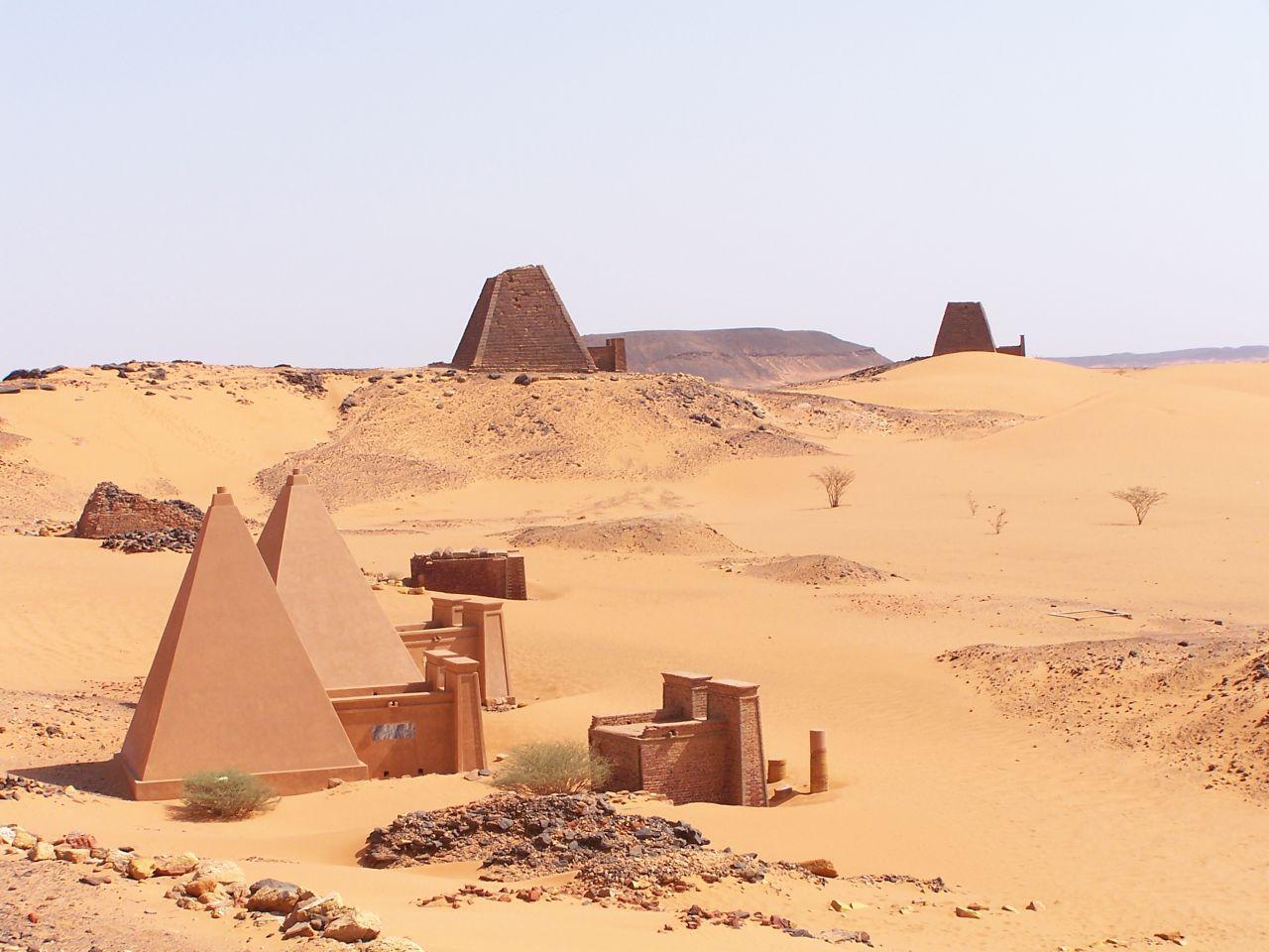 Nubian pyramids 05
