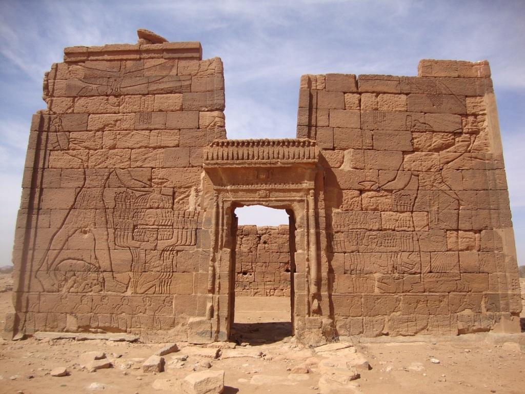 Nubian pyramids 08