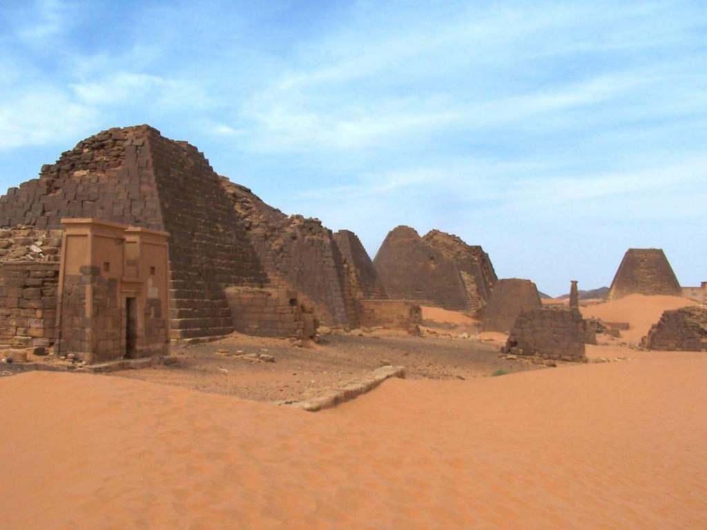 Nubian pyramids 09