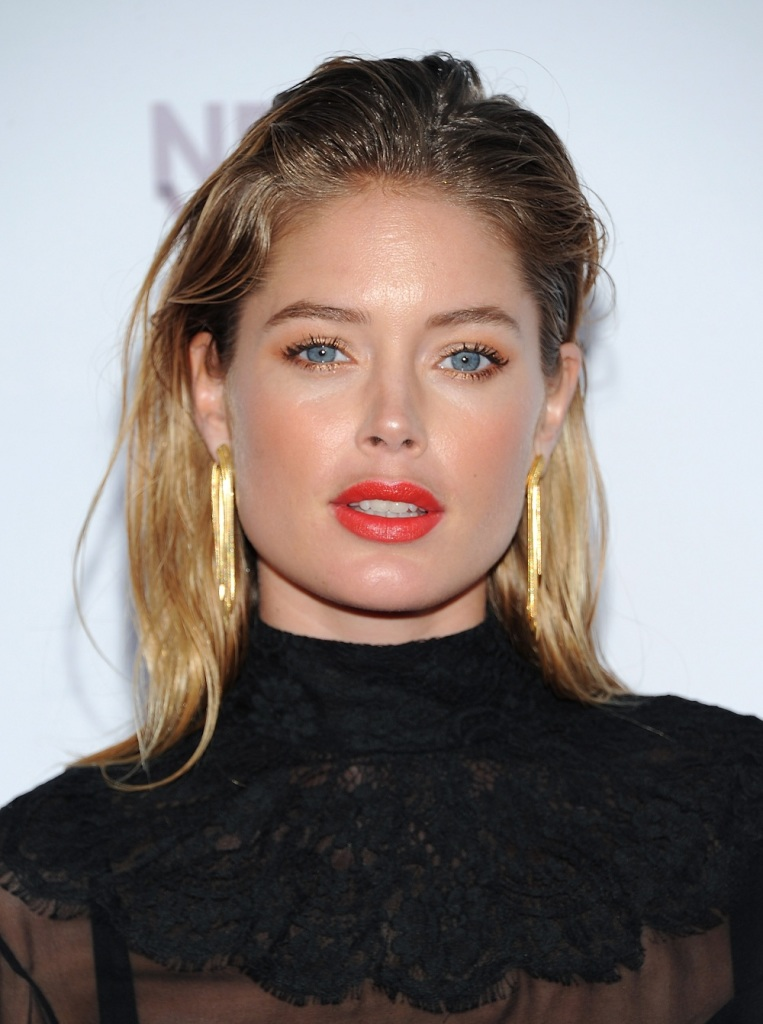 Model: Doutzen Kroes and her family