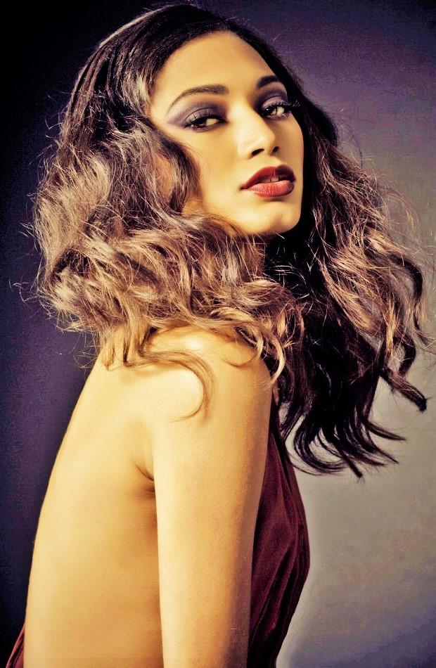 Model: Maria Durruthy