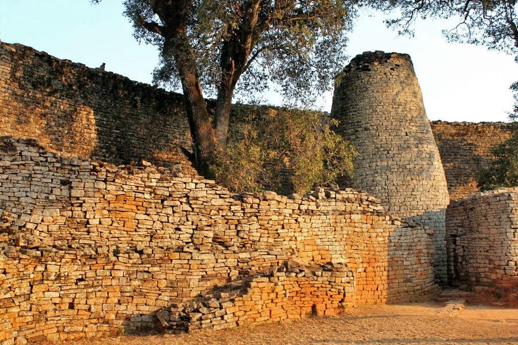 Wall of Zimbabwe 06