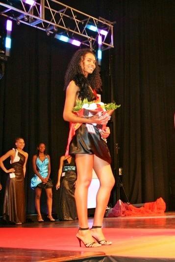 Miriam Correia 05