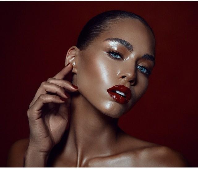 Model: Rachel James