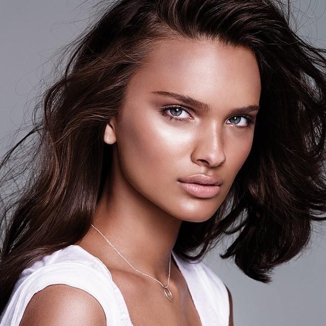 Brazilian Model: Taynara Resende