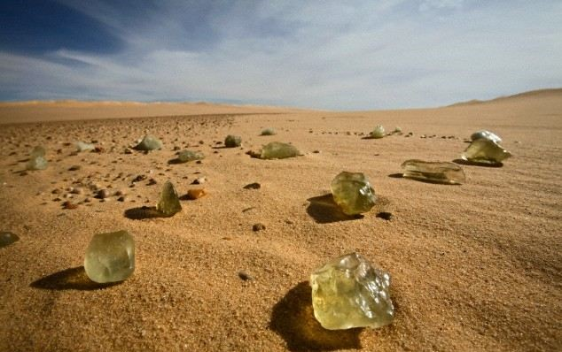 libyan Glass 00