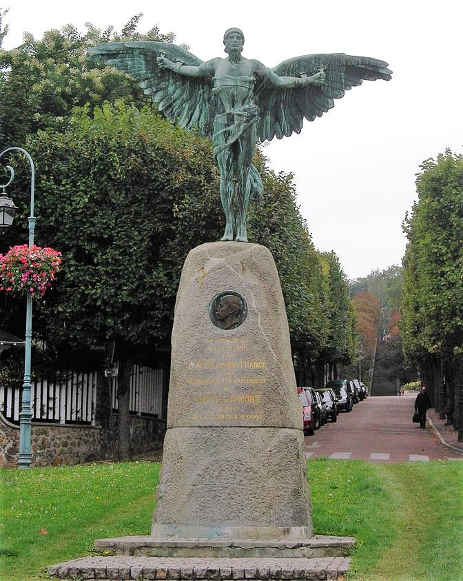 672px-statue_santos_dumont_saint-cloud