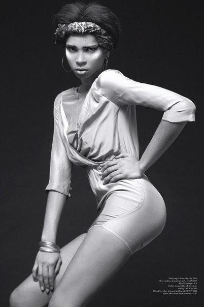 Julia Ogun 05