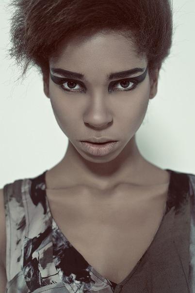 Julia Ogun 18