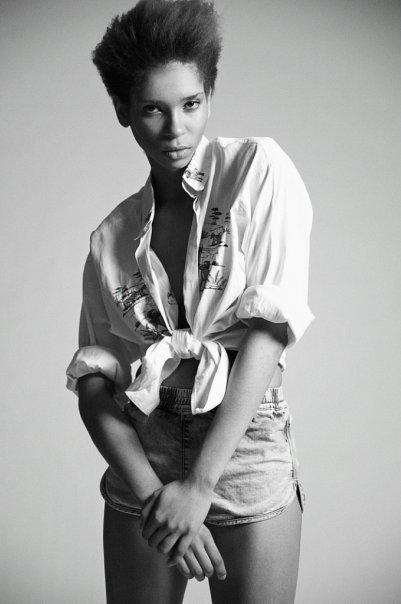 Julia Ogun 27