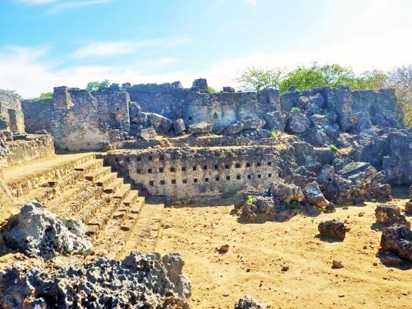 kilwa ruins tanzania 04