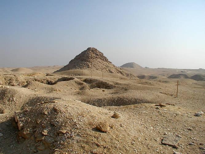pyramid deterioration 02