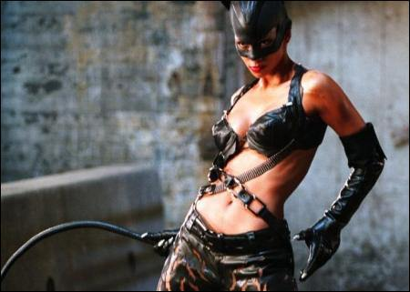 Halle Berry As Catwoman 02
