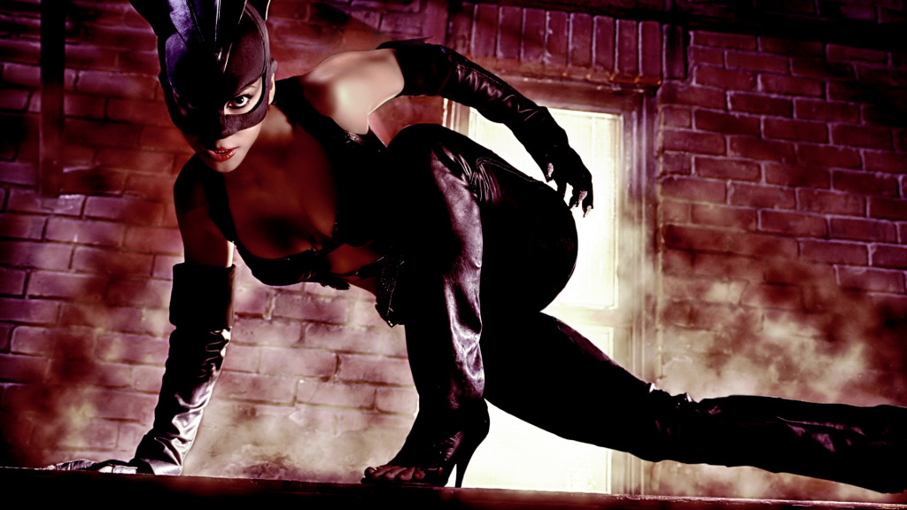 Halle Berry As Catwoman 06