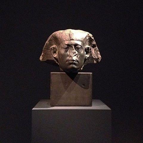 egyptian statue 00