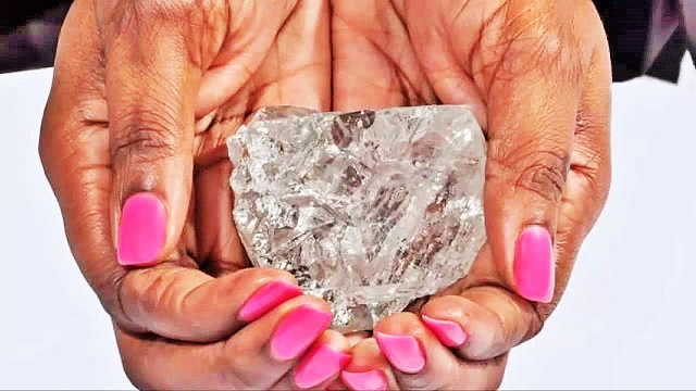 World's 2nd largest diamond: 1,111-carat found in Botswana, Africa