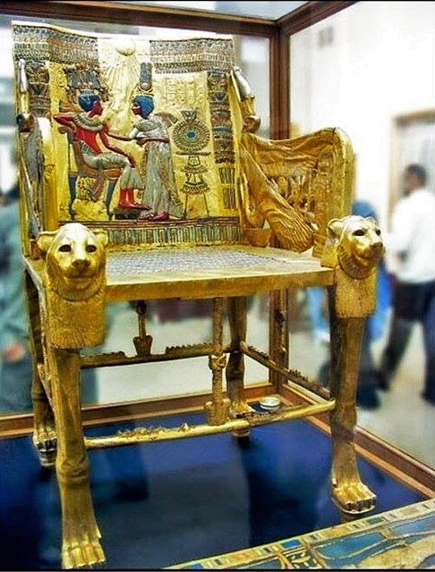 tutankhamun's gold funerary mask 05