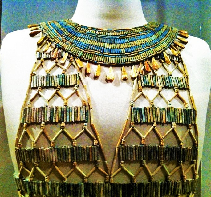 4,500 year old Egyptian beaded dress