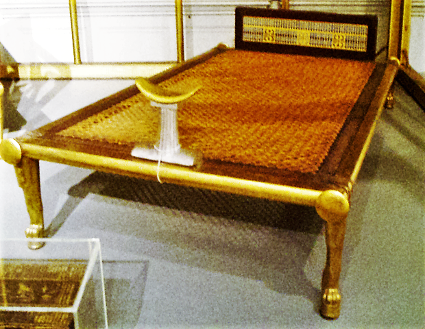 620px-queenhetepheres_bed-funeraryfurniture_museumoffineartsboston