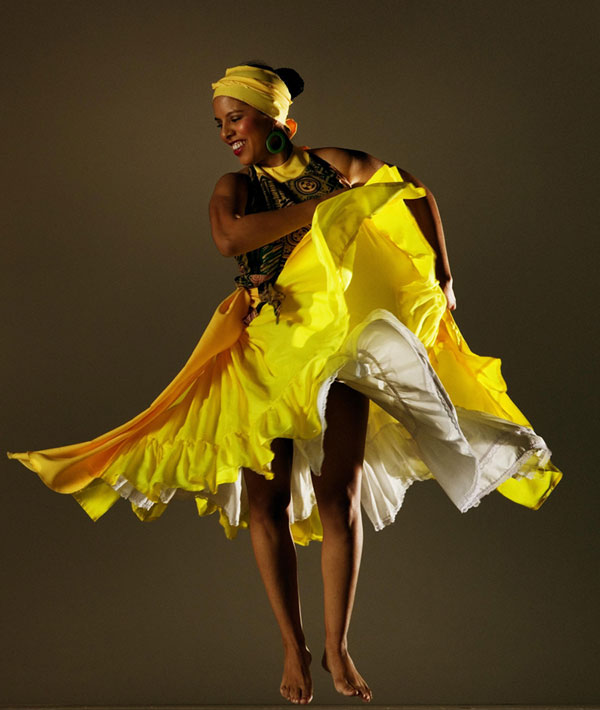 Afro-Peruvian dancer