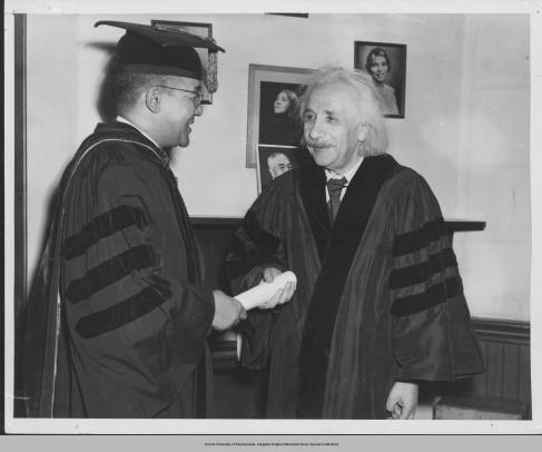 3_May_1946_1_Albert_Einstein_and_Horace_Mann_Bond_pose_for_photographs_after_the_conferring_of_the_honorary_degree