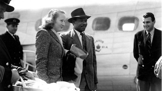 Seretse Khama arrives at Southampton accompanied by his wife Ruth and baby daughter Jaqueline.. 21st August 1950 Khama, Seretse, Sir Botswana politician and ruler; king of Bamangwato 1926-1956 (ruled under regency 1926-1950); abdicated to marry British woman; 1st president of Botswana 1966-1980 _1921-1980