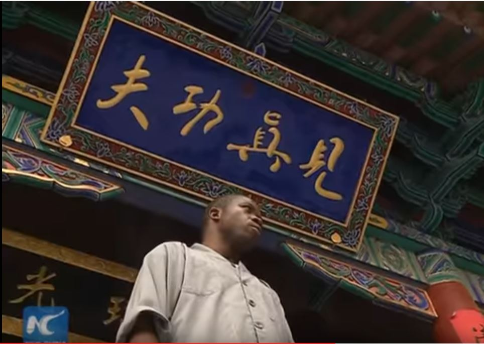 african-learn-kungfu-at-shaolin-temple-09