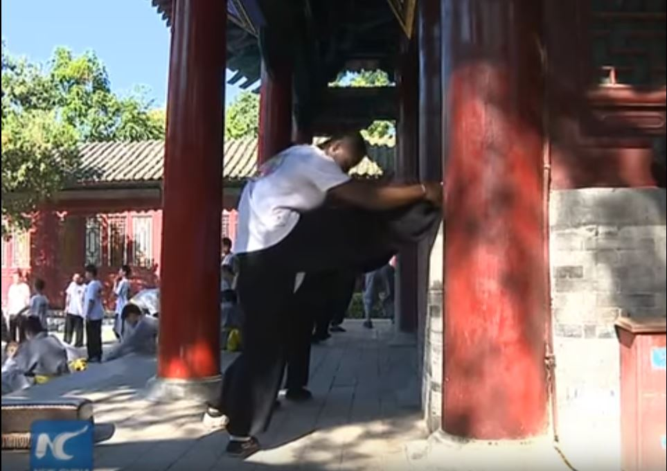 african-learn-kungfu-at-shaolin-temple-11