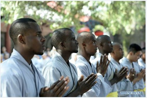 african-learn-kungfu-at-shaolin-temple-14