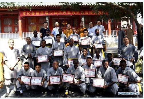 african-learn-kungfu-at-shaolin-temple-15