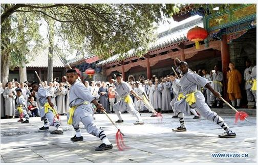 african-learn-kungfu-at-shaolin-temple-16