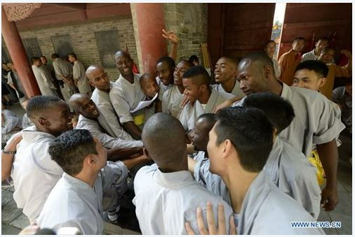 african-learn-kungfu-at-shaolin-temple-17