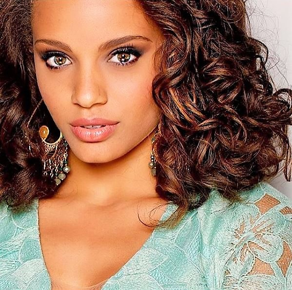 Model & Beauty Queen: Miss France Alicia Aylies