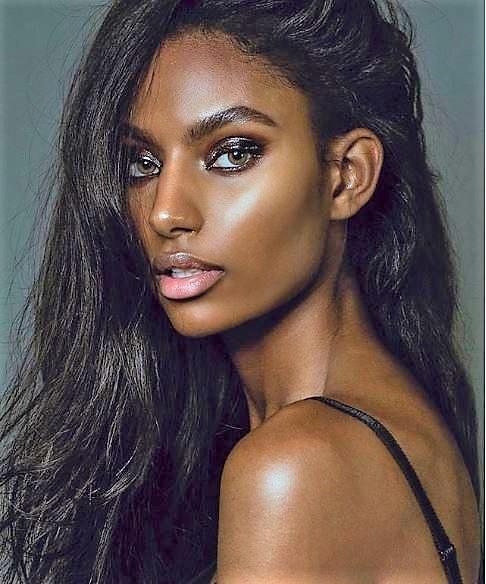 Model: Sydney J. Harper